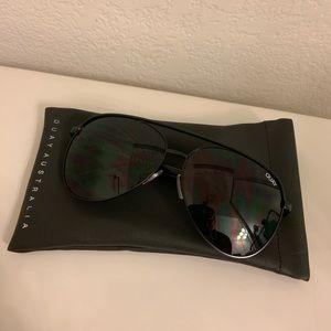 NEVER WORN!Quay Black Metal Aviators Sunglasses